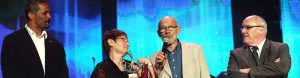 Les parents d'Anaïs Bescond reçoivent le trophée de la Nuit des Étoiles 2017